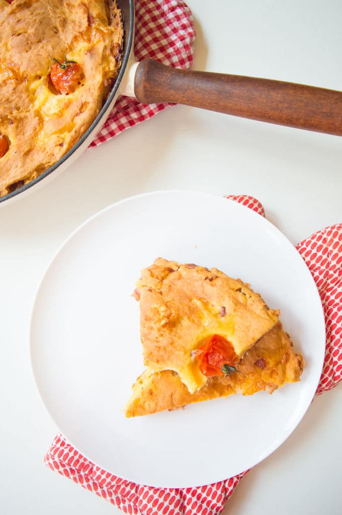 Cornbread with Goat Cheese, Bacon and Cherry Tomatoes #glutenfree #lowfodmap